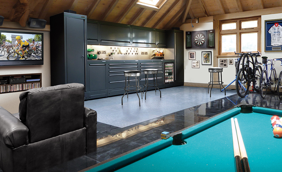 Dura cabinets for a leisure garage