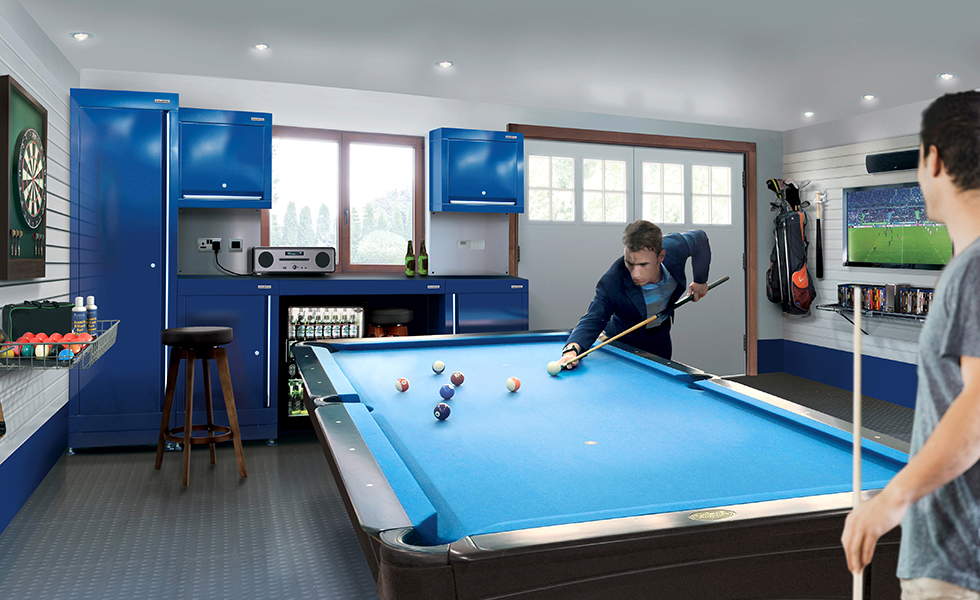 Dura cabinets, wall storage and flooring for a leisure garage
