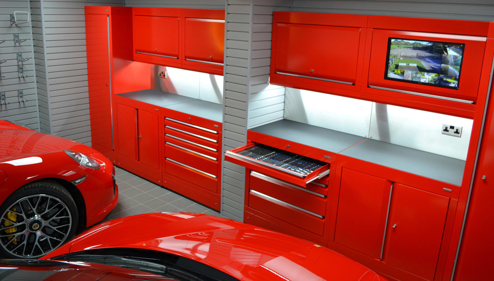 home workshops car themed garages from dura garages. Black Bedroom Furniture Sets. Home Design Ideas